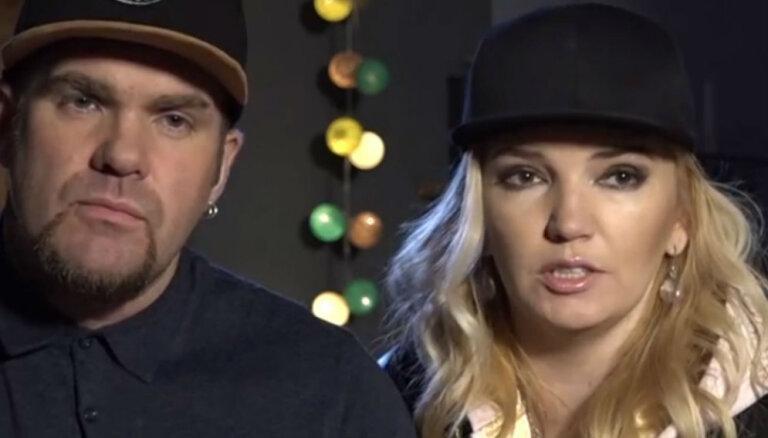 Video: Kivičs un Skulme izdaiļo miesu ar jauniem tetovējumiem