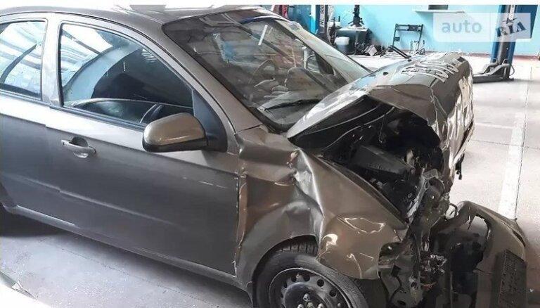 ZAZ trieciena testā sadauzītu auto nevis utilizē, bet mēģina pārdot par 3000 eiro