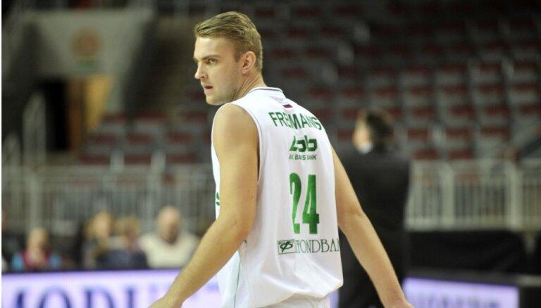Basketbolists Freimanis karjeru turpinās Turcijas klubā Ušakas 'Sportif'