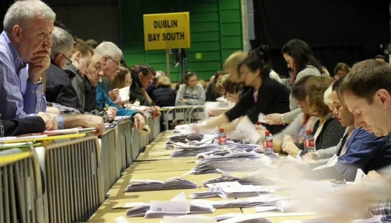 Īrijas premjers rosina veidot labēji centrisku divpartiju valdību