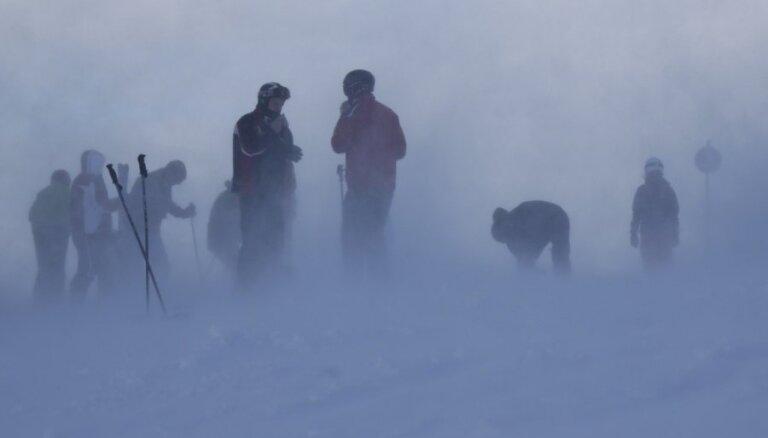 Slēpotājs no Latvijas saņem 15 242 eiro apdrošināšanas atlīdzību par Alpos lauztu kāju