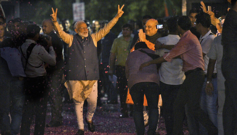 """Индию называют крупнейшей в мире демократией. Там только что победил """"индийский Трамп"""""""
