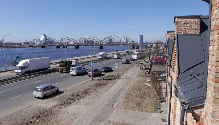 Krasta ielas remonts jūlijā tomēr nesāksies