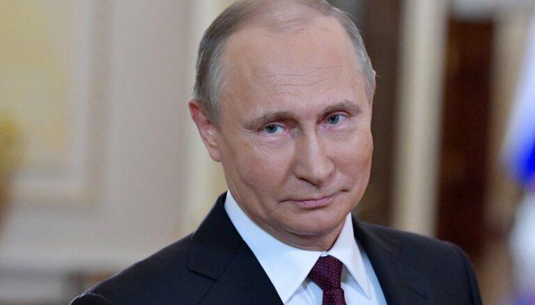 Putins aicina Covid-19 pandēmijas laikā atcelt sankcijas