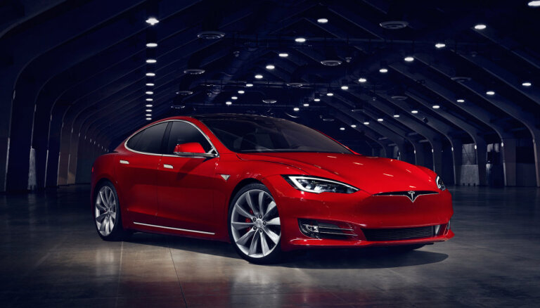 Lexus признан самым надежным автомобилем, Tesla — одной из самых ненадежных