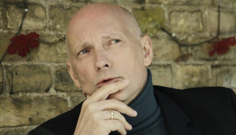'Satori' par Latvijas ietekmīgāko domātāju atzīst Alvi Hermani