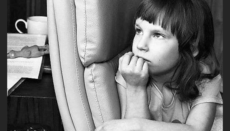 Viena no 3 cilvēkiem pasaulē: vecāki lūdz sabiedrības atbalstu mazās Aleksandras glābšanai
