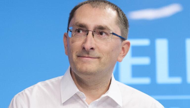 80 000 евро, две машины, акции в Nokia и Tallink: министр сообщения Линкайтс отчитался о доходах