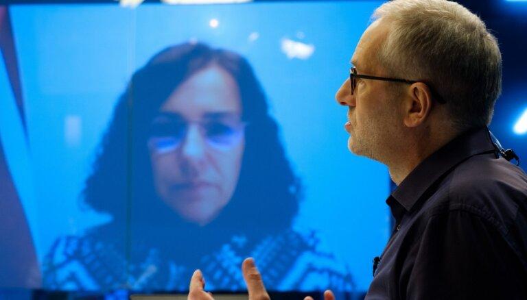 Delfi TV: У министра Шуплински и главы профсоюза Ванаги разная информация, кому достанутся закупленные компьютеры