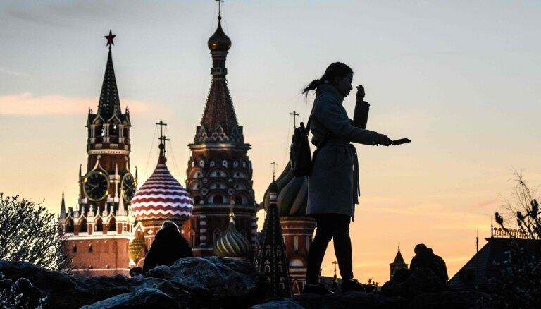 Lietuva aicina pastiprināt sankcijas pret Maskavu pēc lēmuma atvieglot pilsonības piešķiršanu Donbasā