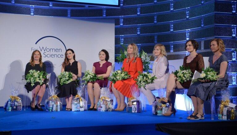 Septiņas izcilas zinātnieces saņem stipendiju 'Sievietēm zinātnē'