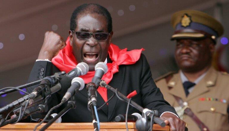 Президент Зимбабве закатил предновогоднюю вечеринку на фоне голода в стране