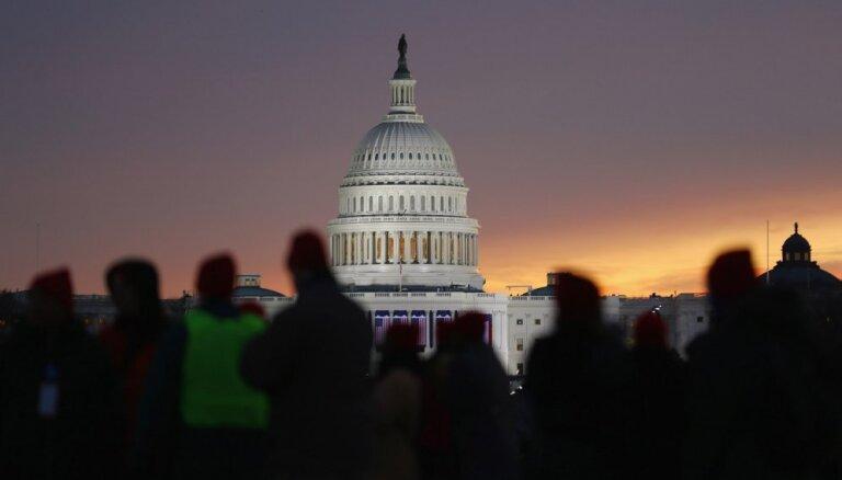 """Нижняя палата Конгресса США проголосовала за окончание """"шатдауна"""""""