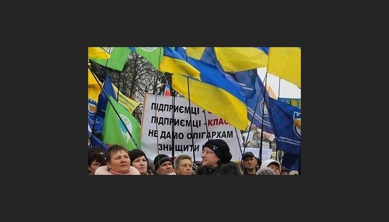 Van Rompejs: Ukrainai ES par reformām ir jāpārliecina līdz maijam