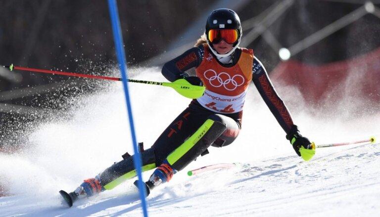Kalnu slēpotāja Lelde Gasūna sacensību apritē atgriežas ar pjedestālu FIS sacensībās Austrijā
