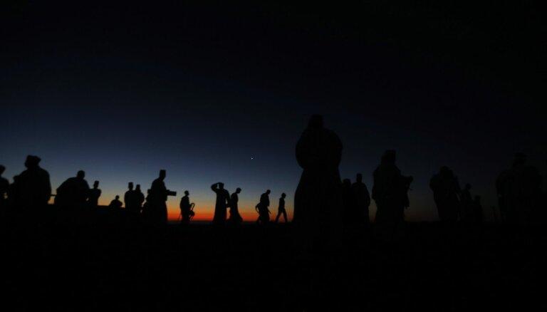 Foto: Samarieši kalna smailē svin Toras saņemšanu