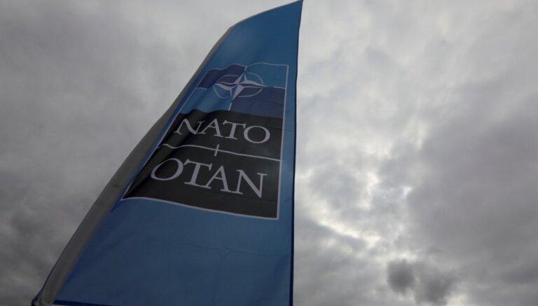 NATO aicina Maķedoniju uzsākt iestāšanās sarunas