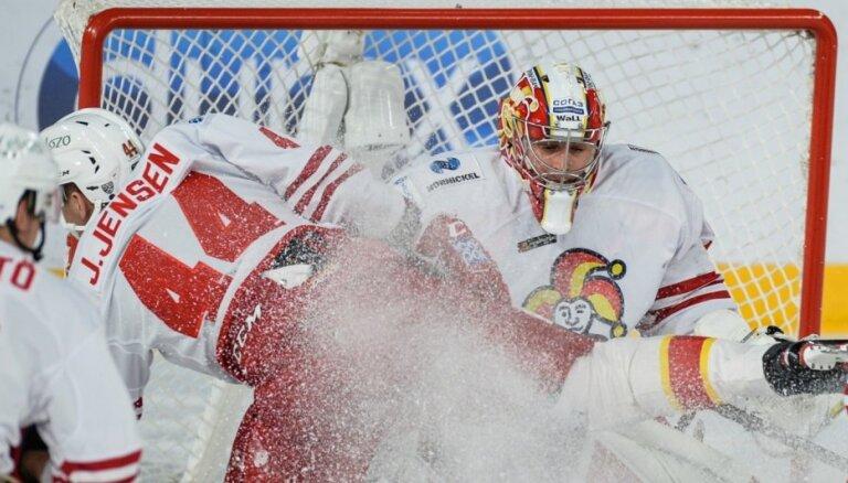 Kalniņš ceturto reizi sezonā paliek nepārspēts KHL mačā