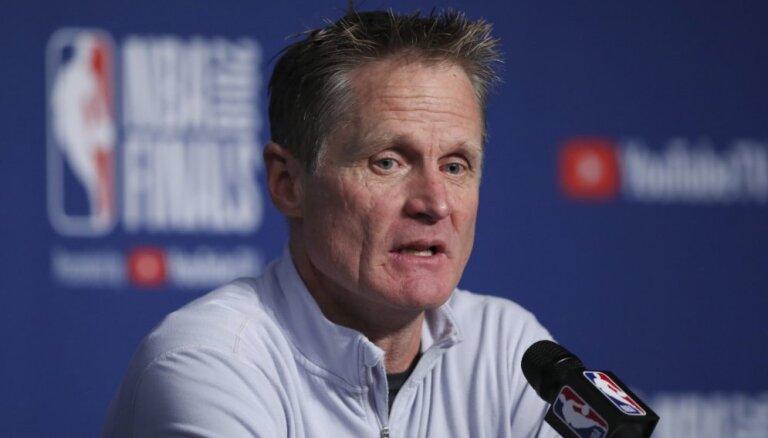 'Warriors' galvenais treneris Kers: Šī bija līdz šim grūtākā sezona