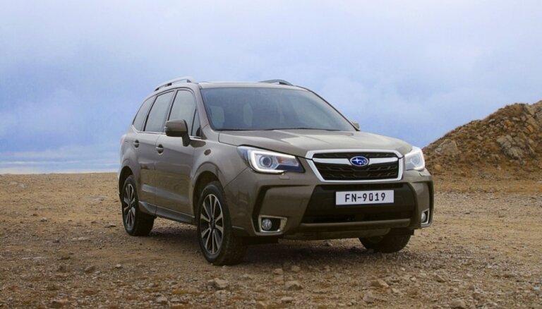 Tirdzniecībā Latvijā nonācis atjauninātais 'Subaru Forester'