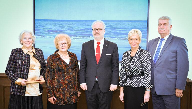Levits pēc tikšanās ar Pensionāru federāciju: seniori dod lielu ieguldījumu Latvijas dzīvē