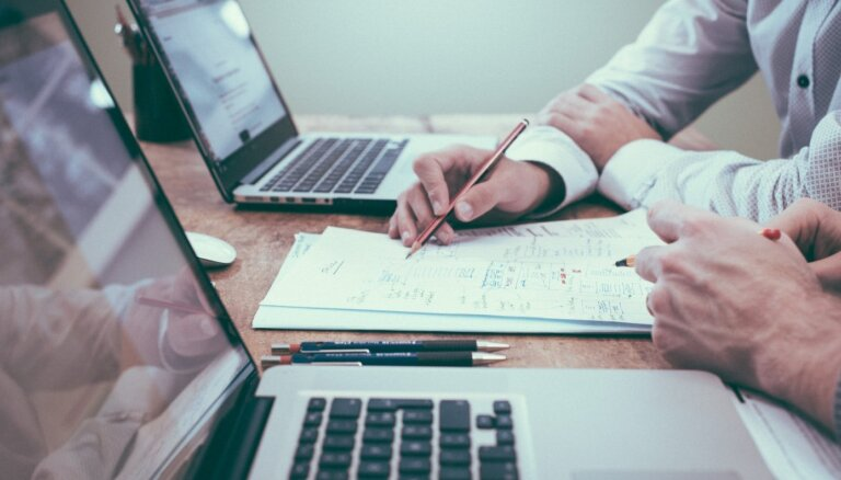 Tiešsaistes karjeras diena par aktuālajiem darba piedāvājumiem. Video ieraksts