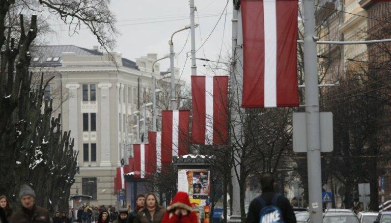 Bijušie Saeimas priekšsēdētāji Latvijai vēl mīlošu tautu un gudrību