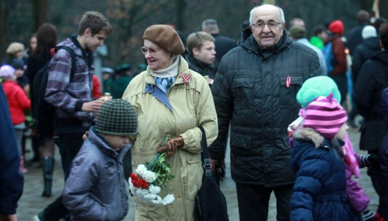 Foto: Lāčplēša dienas piemiņas pasākumi Rīgā