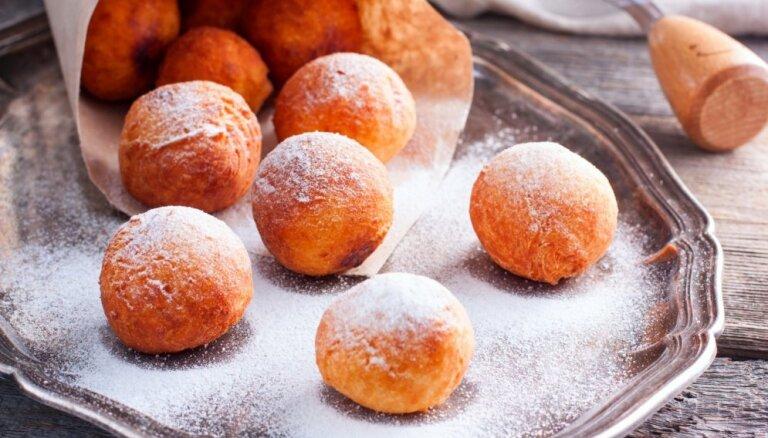 Как приготовить сахарные пончики: несколько советов и хитростей