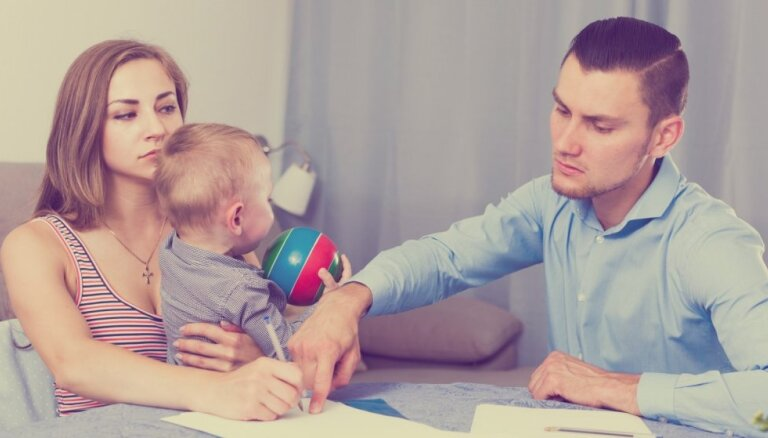 Šķiršanās dilemma: vai ir vērts palikt kopā bērnu dēļ