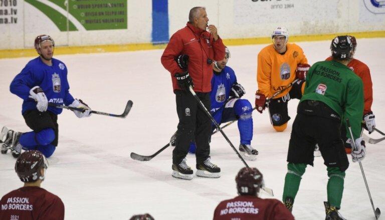 Krievijas olimpiskās hokeja izlases treneris: Latvijas izlases spēlētāji mums ir lieliski zināmi