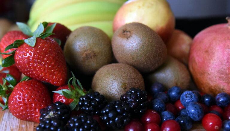 Klimata pārmaiņas. Ārzemēs vīnogu platības rūk, Latvijā zemenes zaudē garšu