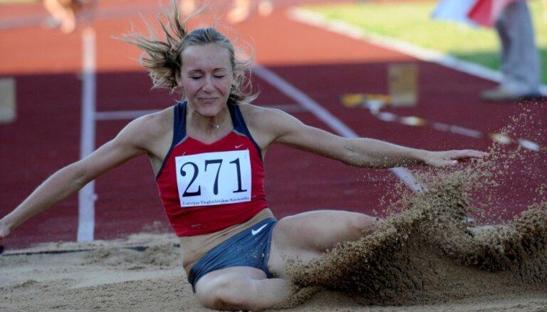 Māra Grīva nekvalificējas Universiādes finālsacensībām trīssoļlēkšanā