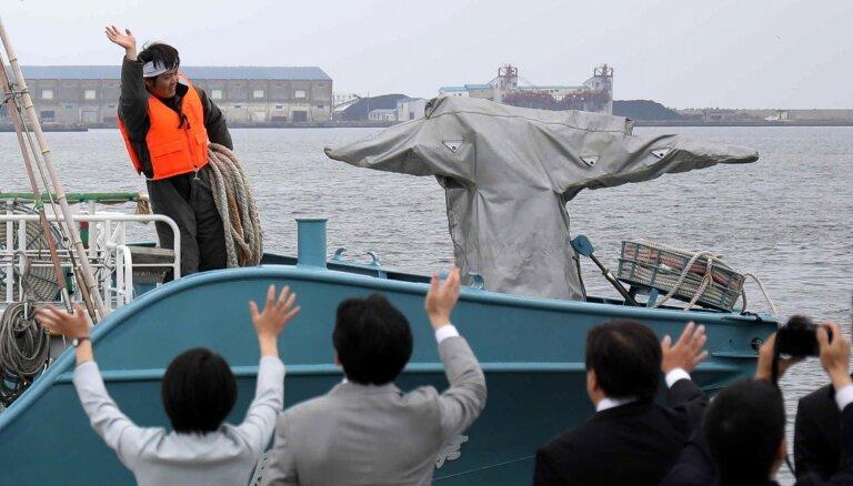Foto: Japāņi entuziasma pilni atsāk vaļu zveju