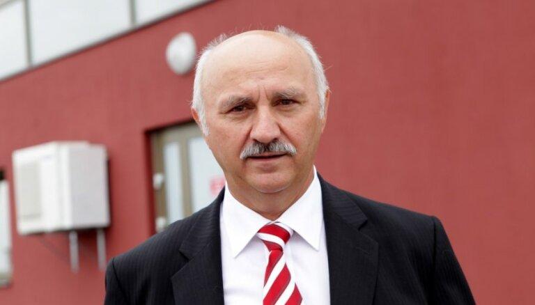 Paškausks: ASV bāzēts investīciju fonds ar reiderisma metodēm mēģina pārņemt ģimenes biznesu Ukrainā