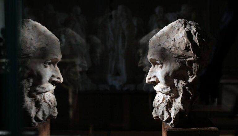 Foto: Parīzē atklāts atjaunotais Rodēna muzejs