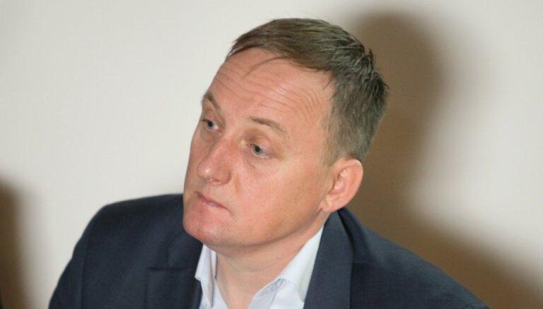 Коалиция официально договорилась выдвинуть Казакса на пост главы Банка Латвии