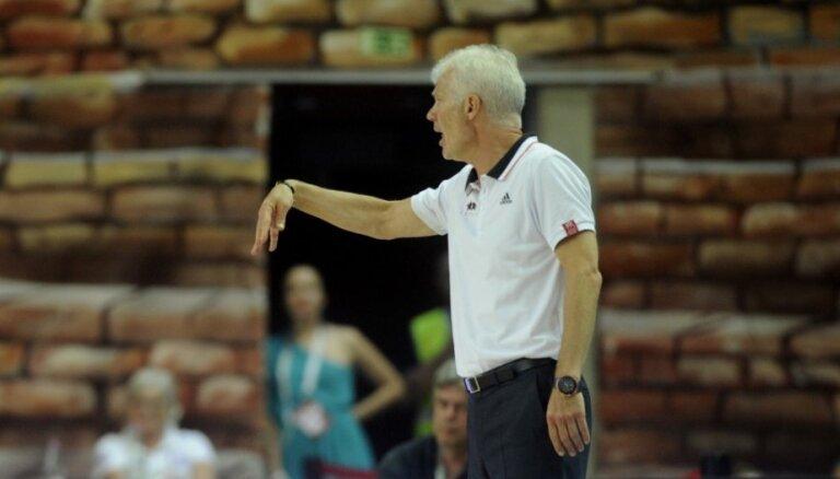 Latvijas sieviešu basketbola izlase ir atguvusies un nopietni gatavojas cīņai ar Krieviju, uzsver Zvirgzdiņš