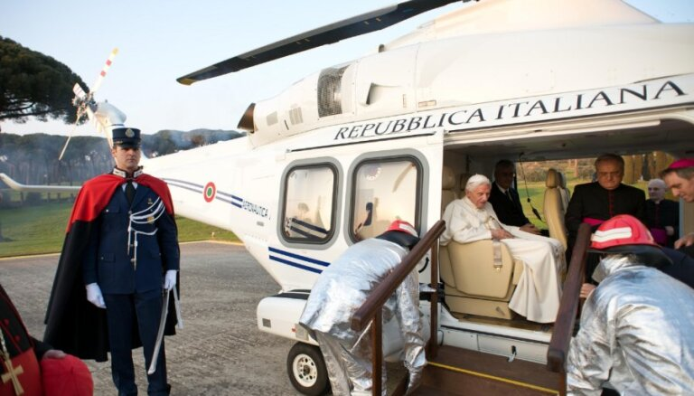 Benedikts atzīst, ka pāvesta amatā viņam bijušas grūtības ar Vatikāna vadīšanu