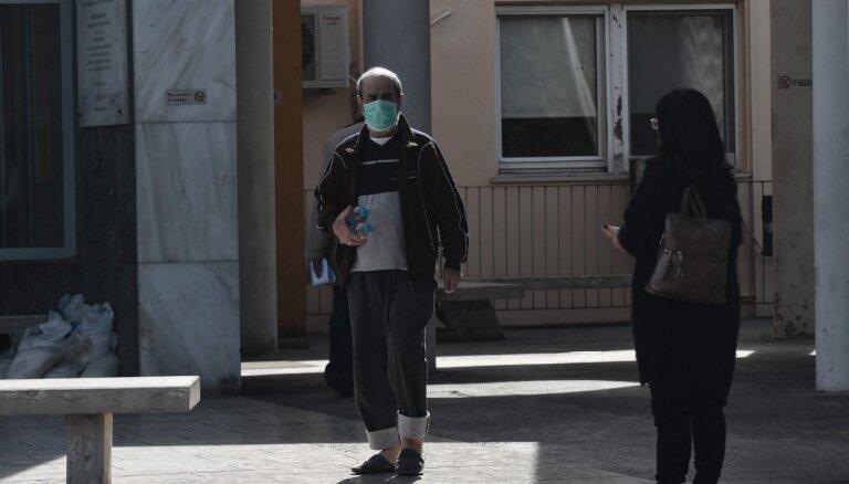 Grieķija atvērs lidostas ceļotājiem no 29 valstīm; Austrija pakāpeniski atcels masku valkāšanas prasības
