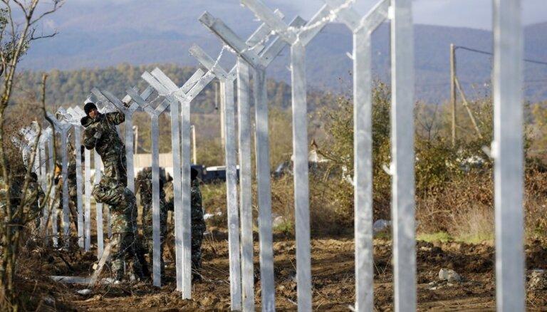 Премьер Венгрии хочет создать заграждения на северной границе Греции