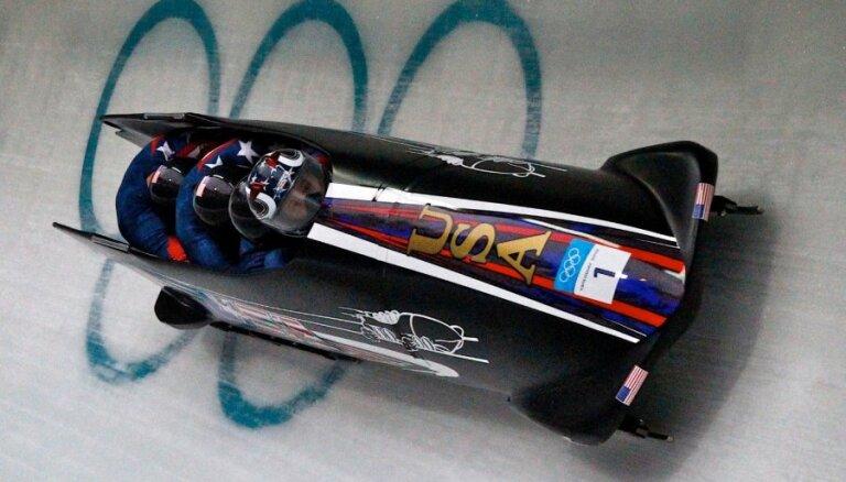 Amerikāņu bobslejists Holkombs miris no plaušu tūskas