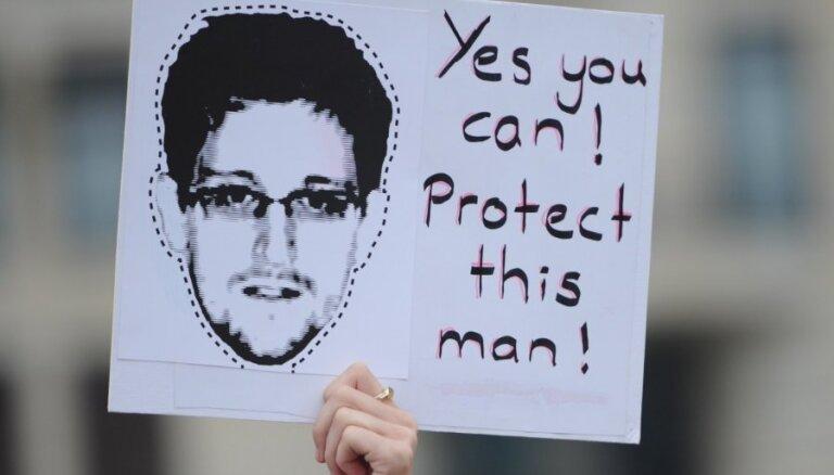 В Кремле обещают не выдавать Сноудена американцам