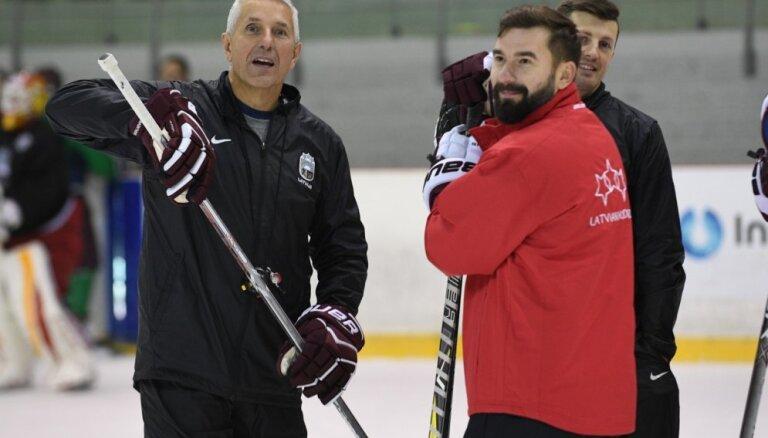 Hārtlijs: pēc pārbaudes spēlēm Norvēģijā no izlases atskaitīs daudzus hokejistus