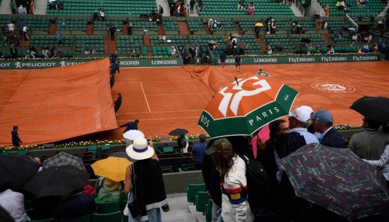 Francijas atklātais čempionātu tenisā plānots pārcelt vēl par nedēļu vēlāk