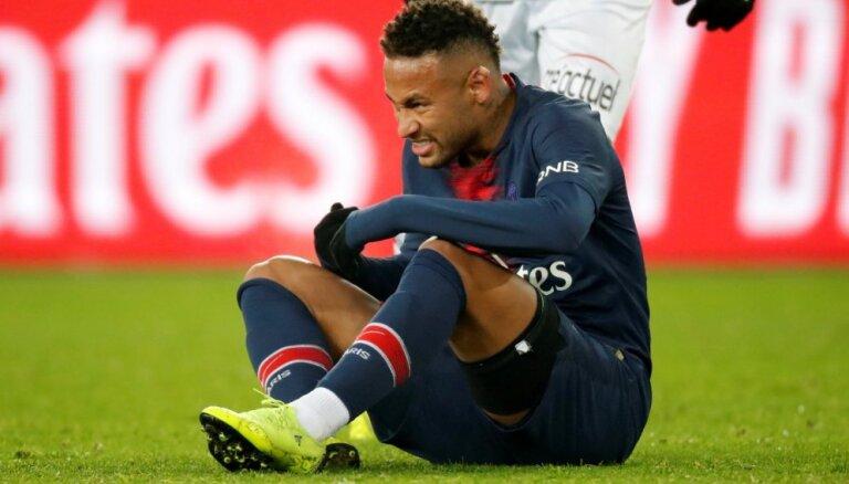 Neimars par tiesnešu apvainošanu nevarēs piedalīties nākamajās trīs UEFA Čempionu līgas spēlēs