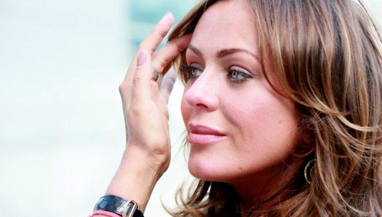 Юлия Началова на съемках последнего клипа показала неприличный жест