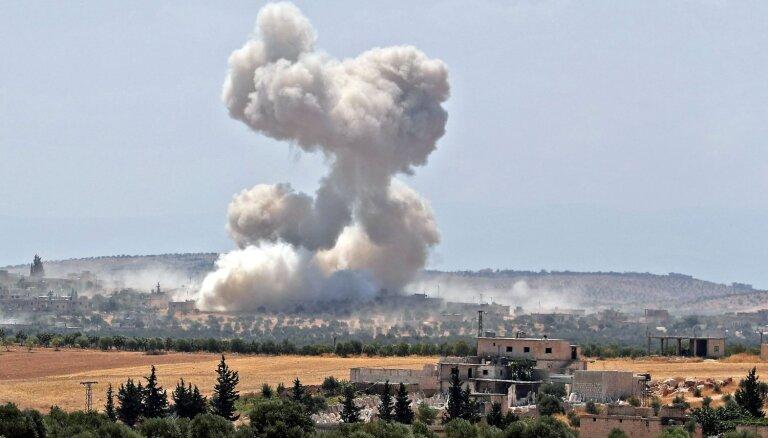 Piecus gadus kopš ieņemšanas Sīrijas nemiernieki atkāpjas no Hān Šeihūnas