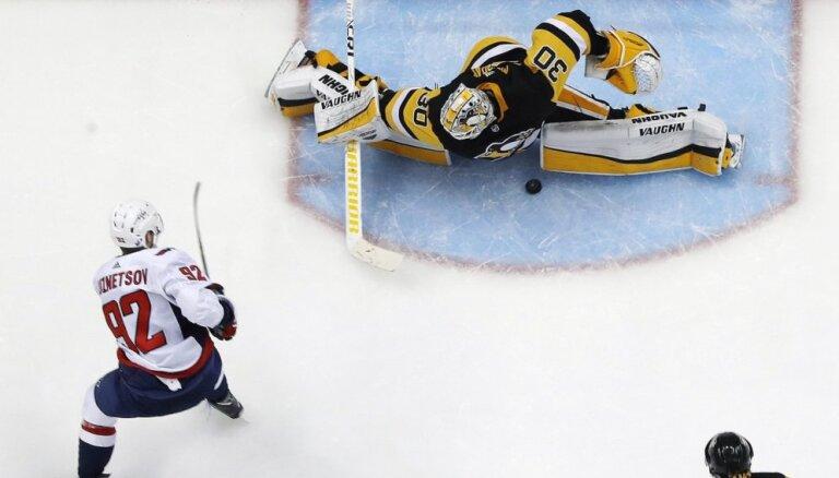 'Capitals' no Stenlija kausa izslēdz čempioni 'Penguins'