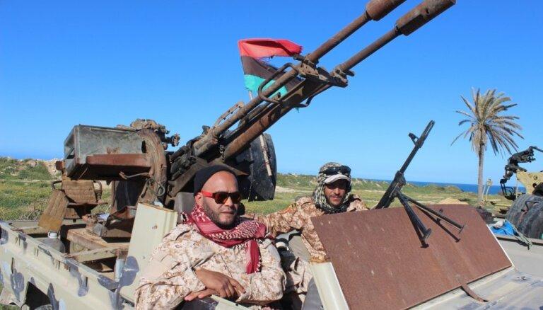 Kaujā par Tripoli 21 kritušais; Krievija nobloķē ANO paziņojumu ģenerālim Haftaram